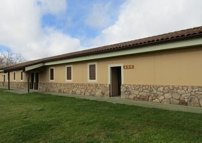 Edificios construidos específicamente para campamentos